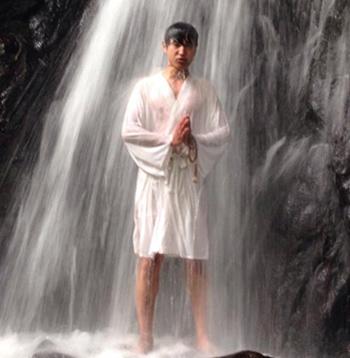 滝行の画像