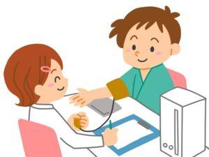 血圧を測定する様子