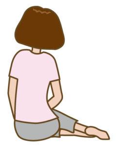横座りをしている女性