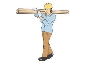 木材を運ぶ作業員